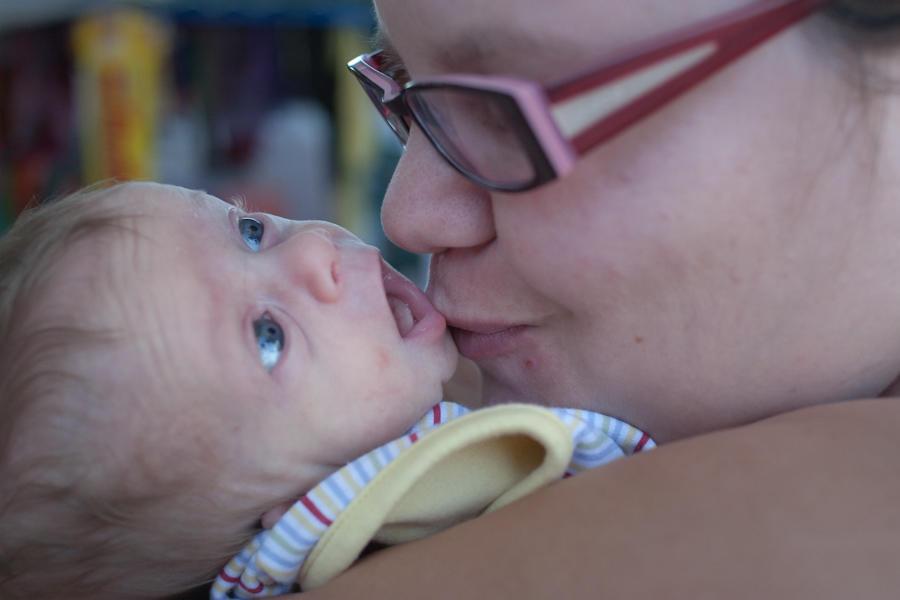 Newborn Garrett with Mariah at Sleepy Hollow Way