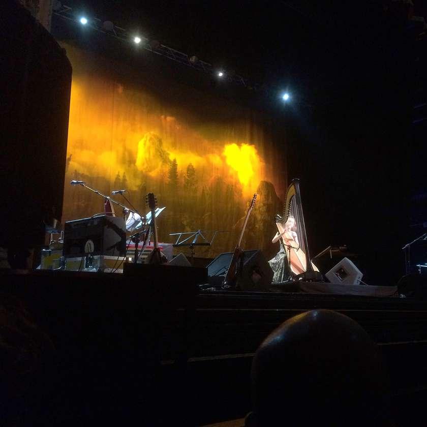 Joanna Newsom performing