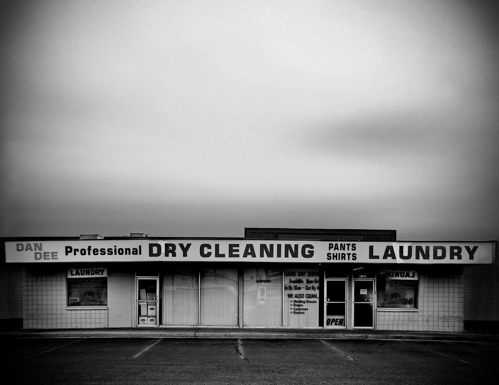 Dan Dee's Dry Cleaning
