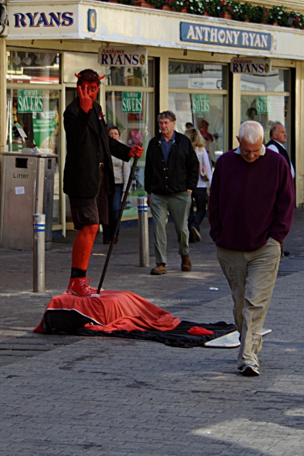 A street performer on Shop Street, Galway